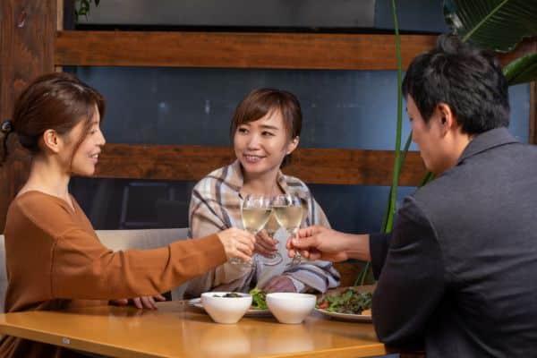 兵庫県神戸市でのギャラ飲みで稼ぐ!金持ち男性とのやり方や相場が解る!