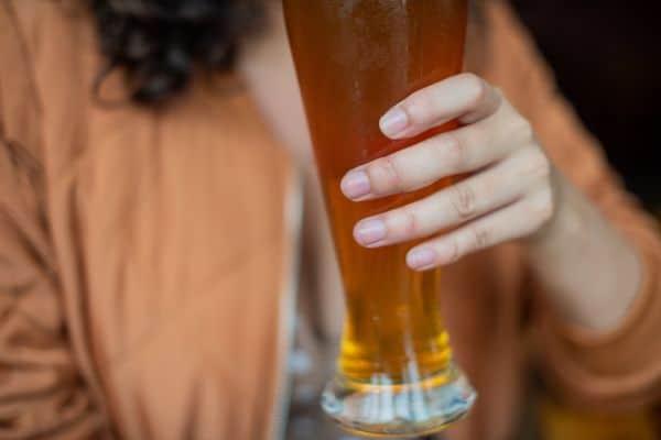 福岡県久留米市でのギャラ飲みで稼ぐ!金持ち男性とのやり方や相場が解る!