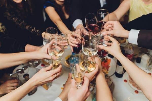 千葉県でのギャラ飲みで稼ぐ!金持ち男性とのやり方や相場が解る!